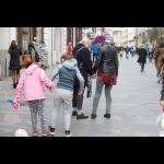 Rosana Cade: Hoditi:Držati